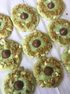 White Chocolate Pistachio Kiss Cookies 3-3